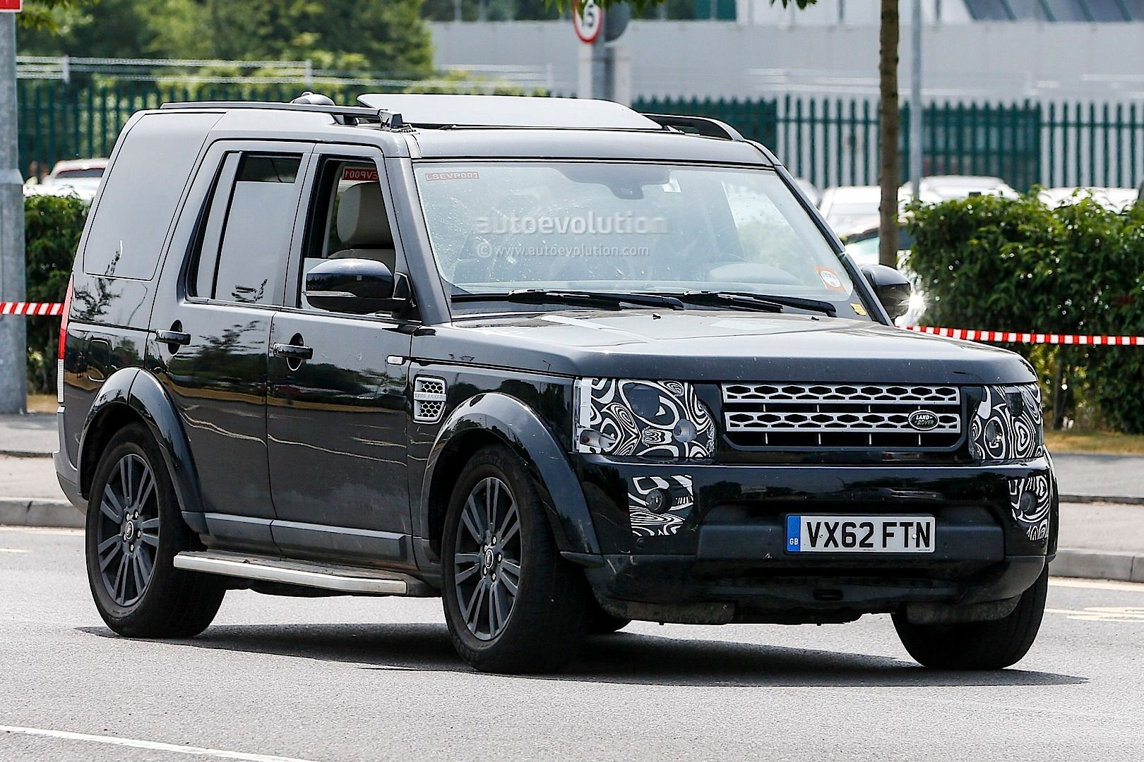 Amazing 2014 Land Rover Discovery Photo Hd Wallpapers