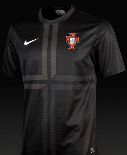 b3b2abc641 Nueva camiseta de Portugal 2013 negra.  sport  portugal  deportes  football