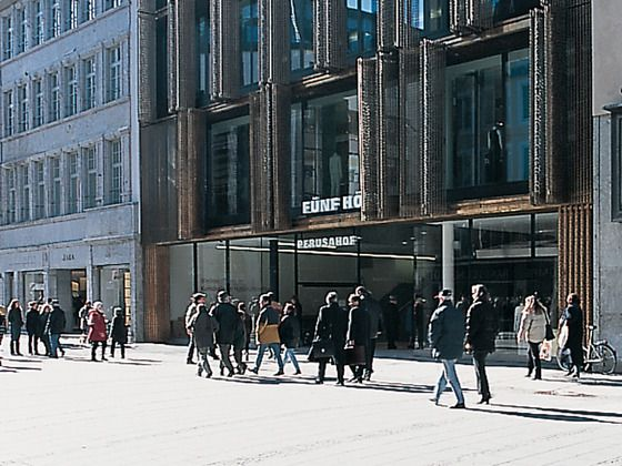 Bericht: Fünf Höfe in München