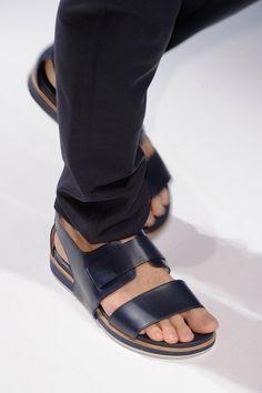 6886881da95a0b Moda Masculina  assuma as sandálias de uma vez por todas