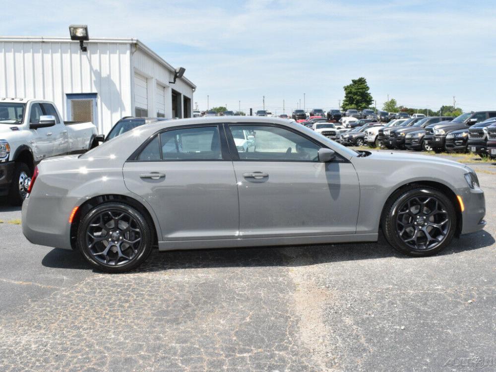 Details about 2019 Chrysler 300 Series S   Chrysler 300 ...