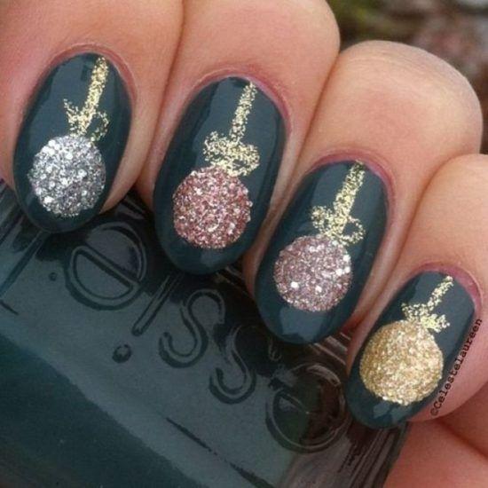 21 Christmas Nail Art designs