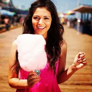 Chatts About The YouTubers We Love And Adore ...: BETHANY MOTA MACBARBIE07 CLOTHING LINE