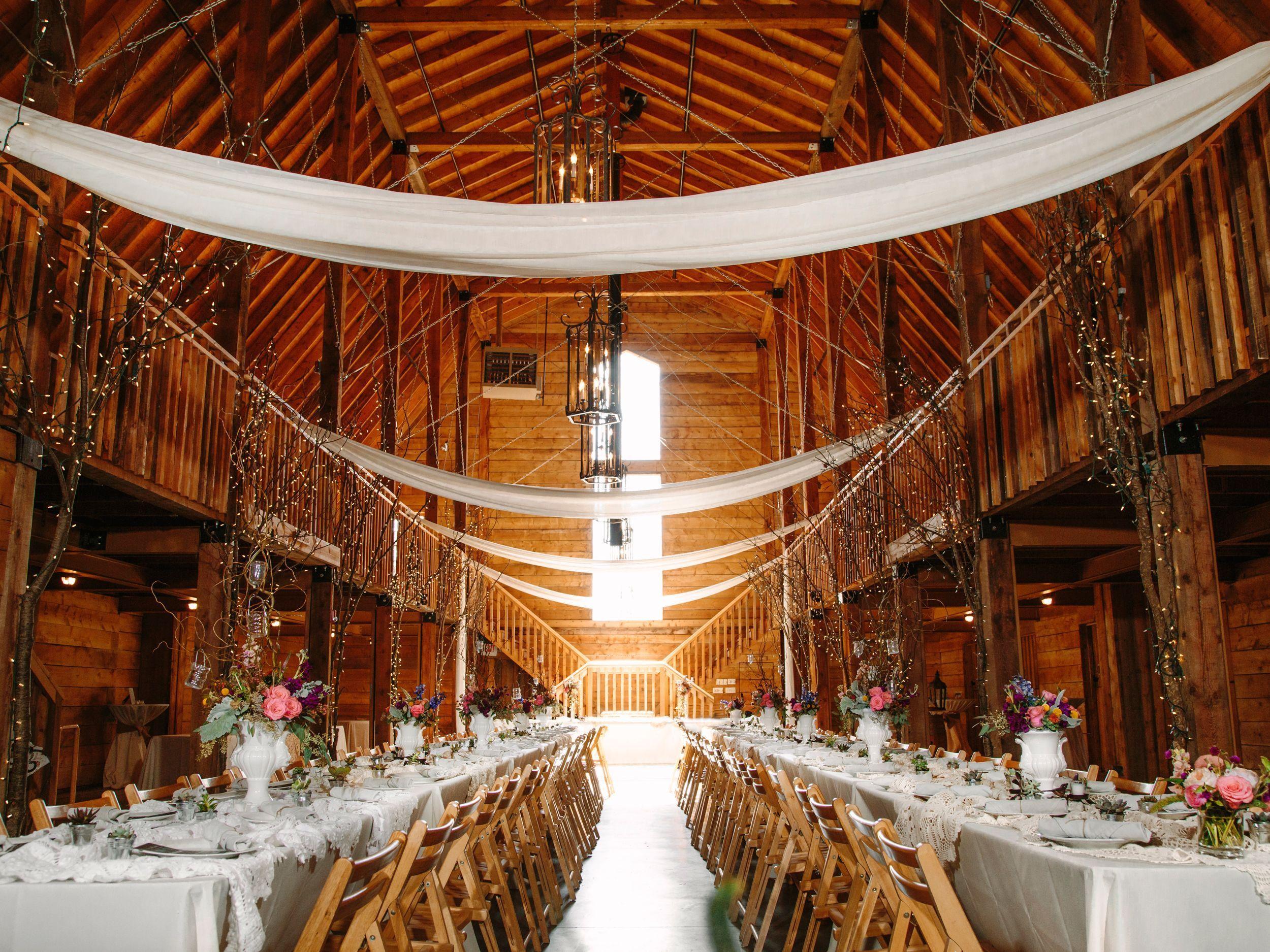 Arkansas barn wedding reception Wedding reception, Barn