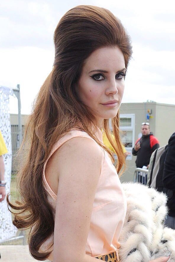 Lana Del Rey Hairstyle Tutorial : hairstyle, tutorial, Styles,, 1960s, Hair,