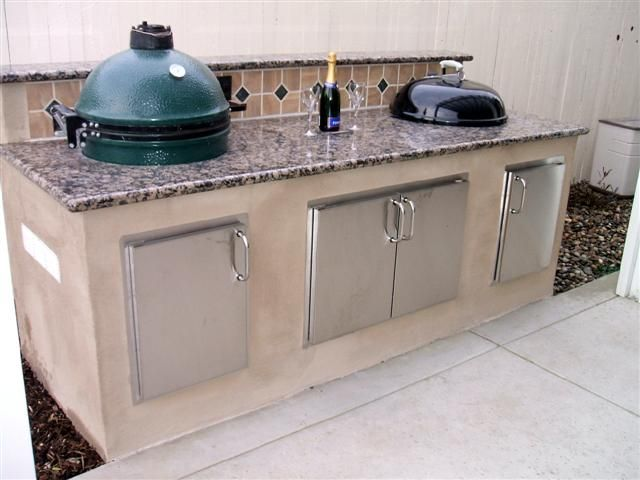 Concrete Bbq Island With Green Egg And Weber Charcoal Grill Outdoor Kitchen Appliances Outdoor Kitchen Sink Outdoor Kitchen