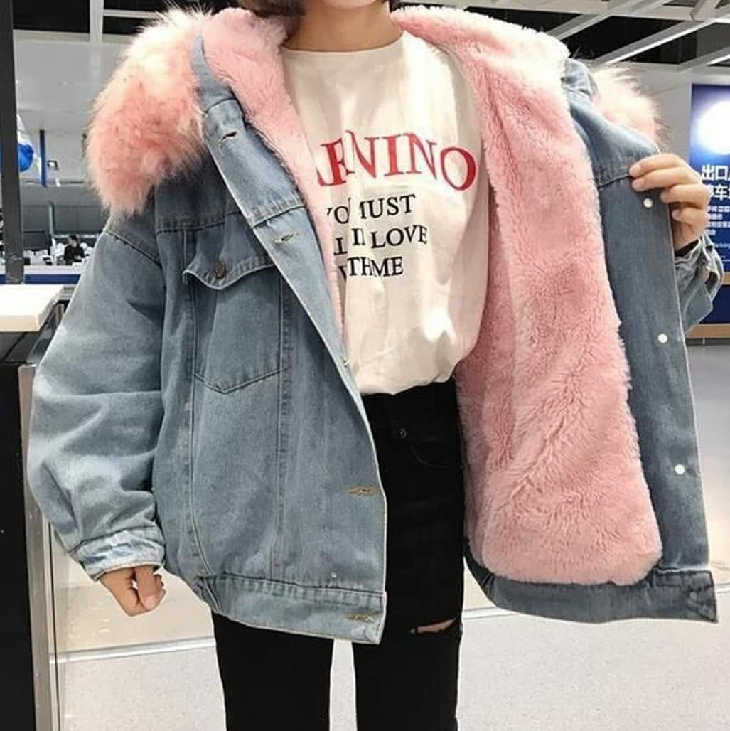 Instagram Post By Takoutfits Nov 23 2018 At 5 47pm Utc Denim Jacket Women Denim Jacket Winter Denim Coat Jacket [ 1028 x 1027 Pixel ]