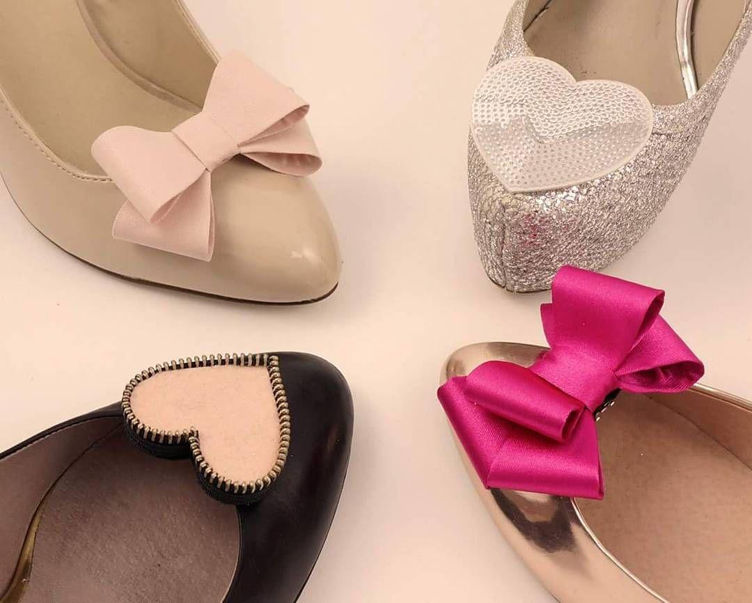 Randka Spacer Impreza Co Robicie W Piatkowy Wieczor Coquet Klipsydobutow Kokardy Shoeclips Shoes Kok Shoe Clips Shoes Womens Flip Flop