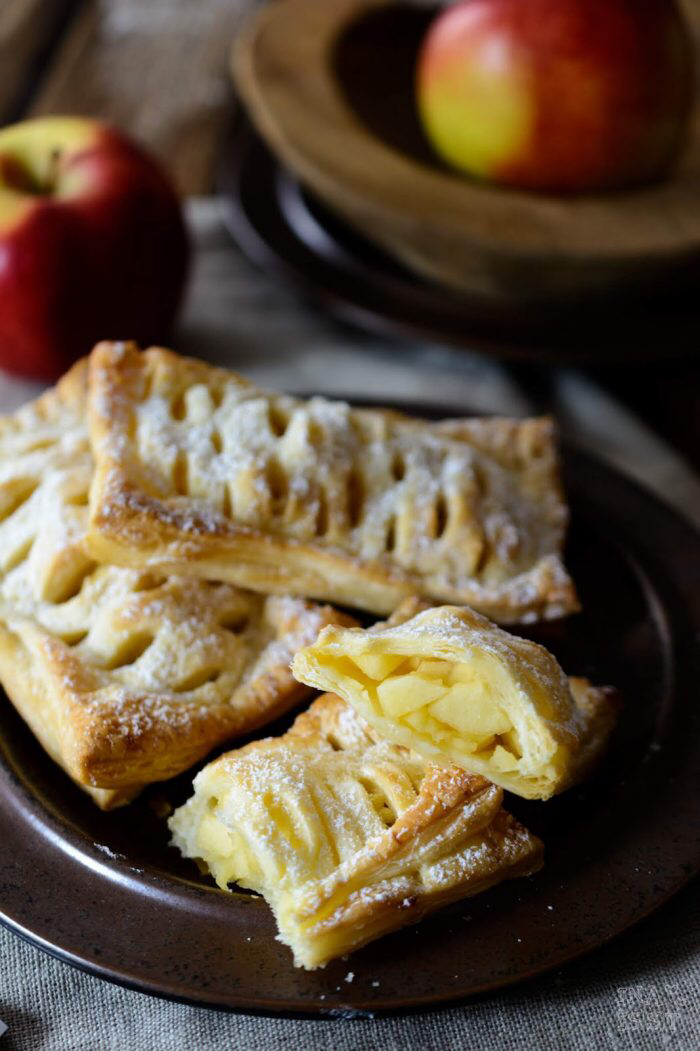 Schnelle Apfeltaschen mit Blätterteig und Vanille - Ina Isst