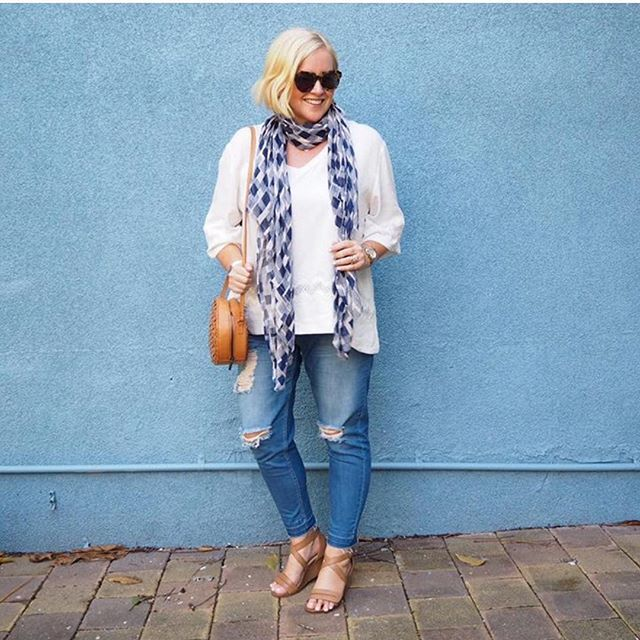 Comfy wedges! Yes please! NiKKi P from @stylingyou showing us how it's done in…