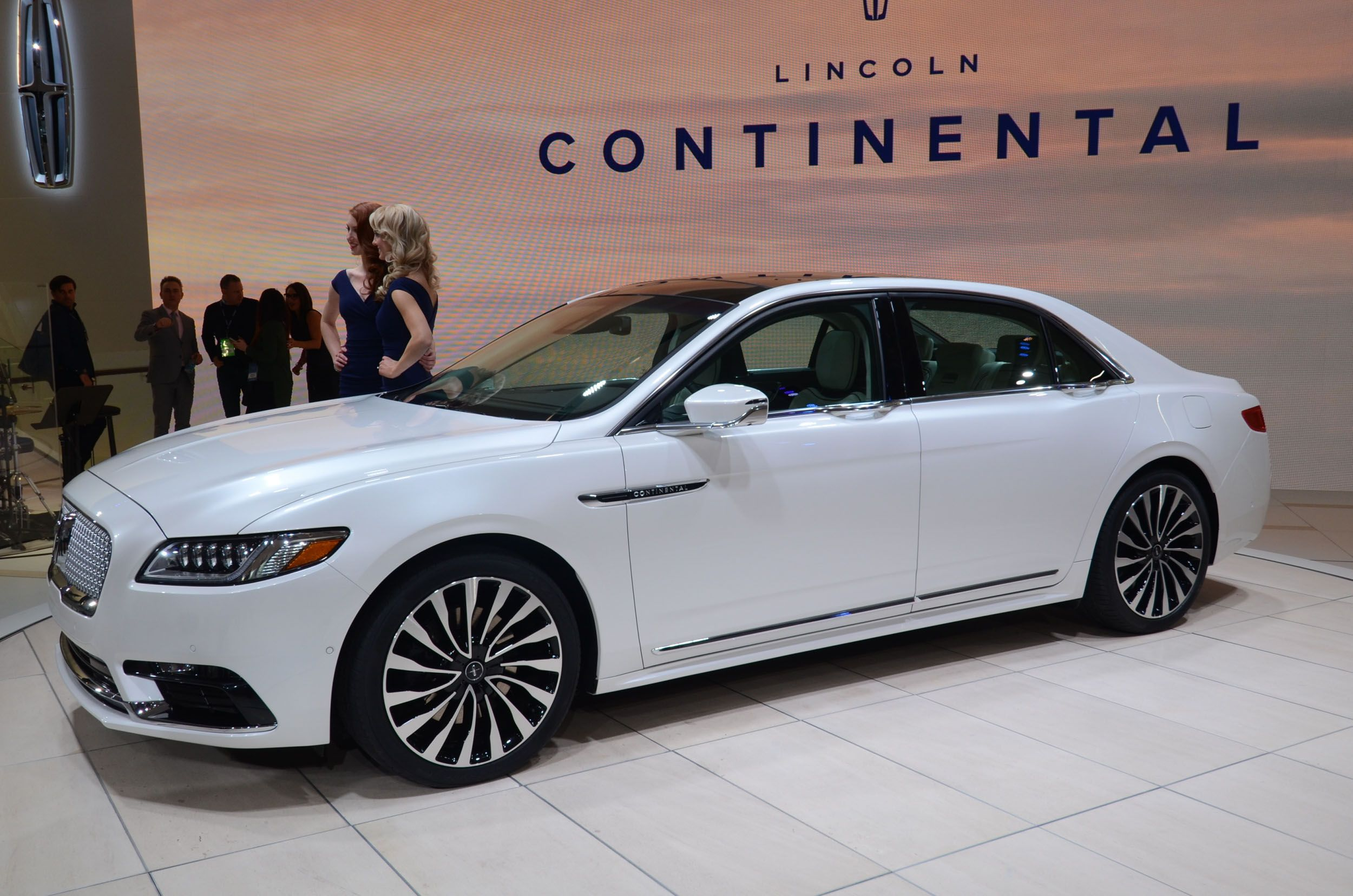2017 Lincoln Continental Lincoln Pinterest Lincoln Continental