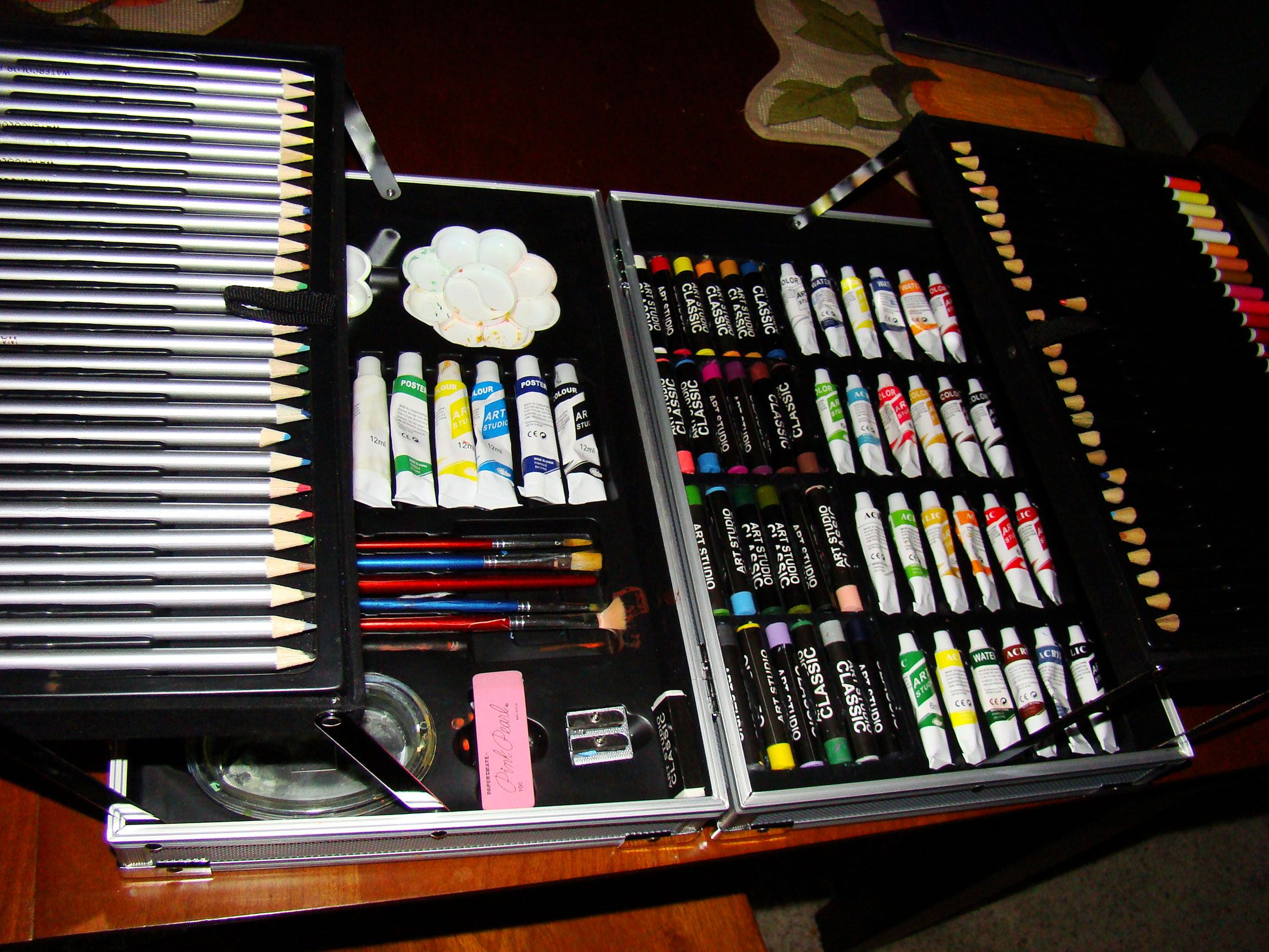 Drawing Kits for Adults art_kit IF ANYONE KNOWS WHERE TO