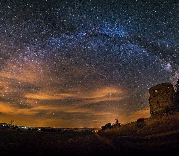 Plukk opp noen nyttige tips om hvordan du kan ta bilder av stjerner på nattehimmelen. Come and see.
