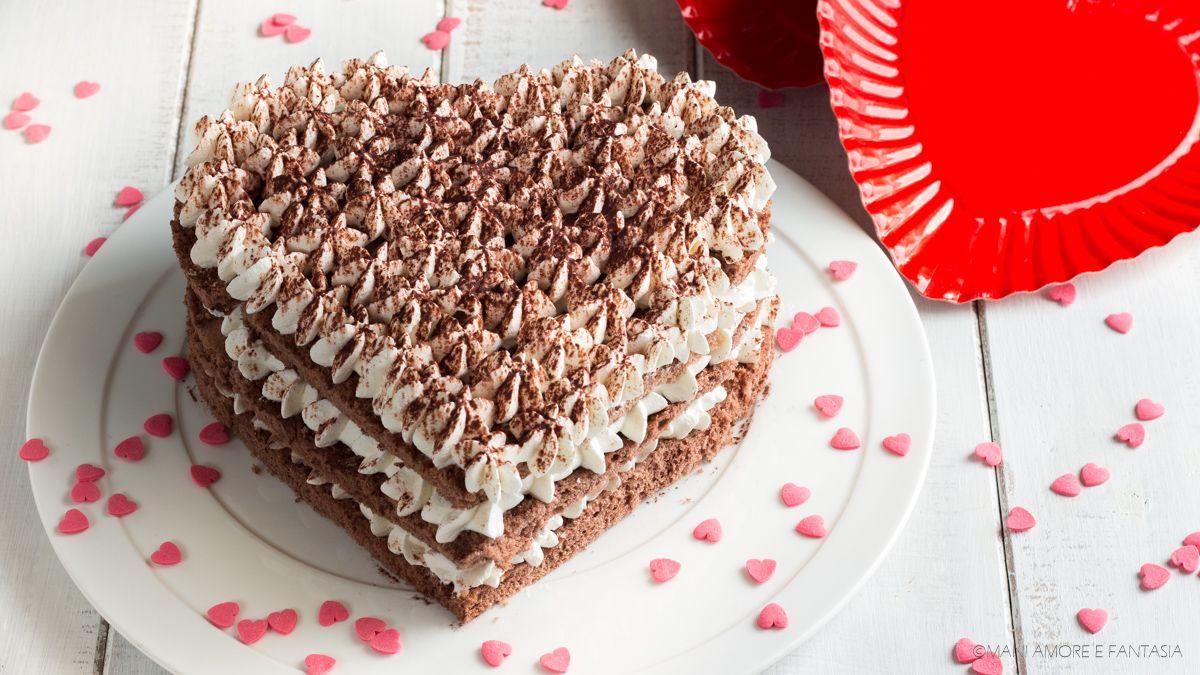 Ricetta Torta Al Cioccolato A Forma Di Cuore.Torta A Forma Di Cuore Senza Stampo In 10 Minuti Ricetta Torte A Forma Di Cuore Torte Dolci