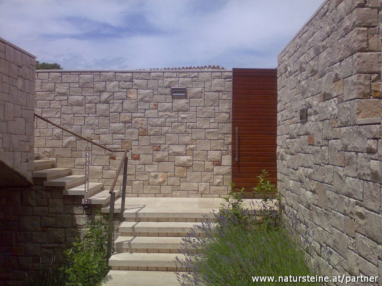 Wandverkleidung Verblender Fur Den Aussenbereich In 2020 Wandverkleidung Aussen Wandverkleidung Steinfassade