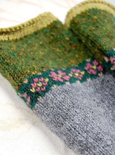 Ravelry: hgd11's Fair Isle Fingerless Mitts. She made up this ...