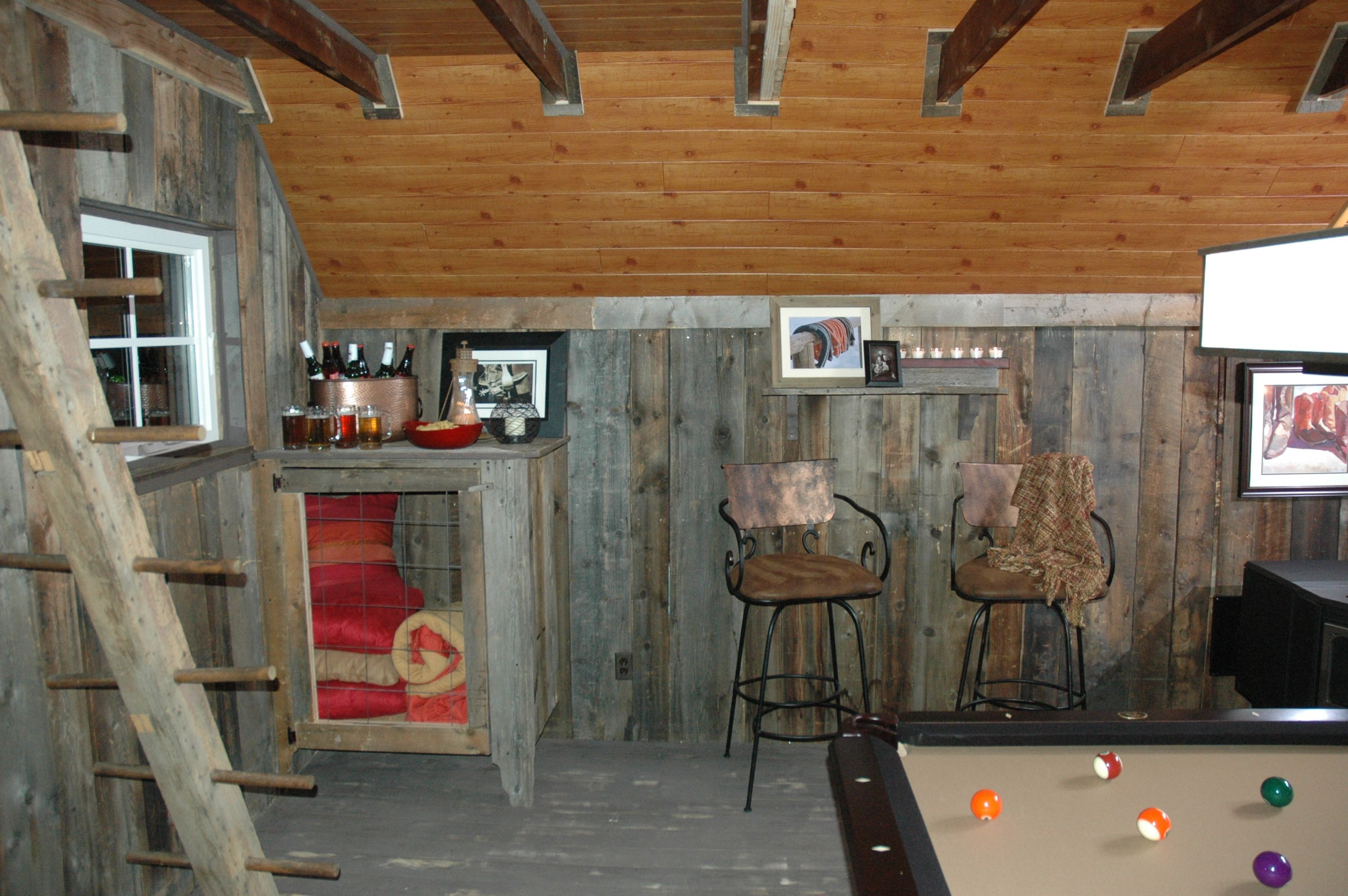 Man Cave Cabin Ideas : Wood wall ideas sons like to play. they made the blanket chest