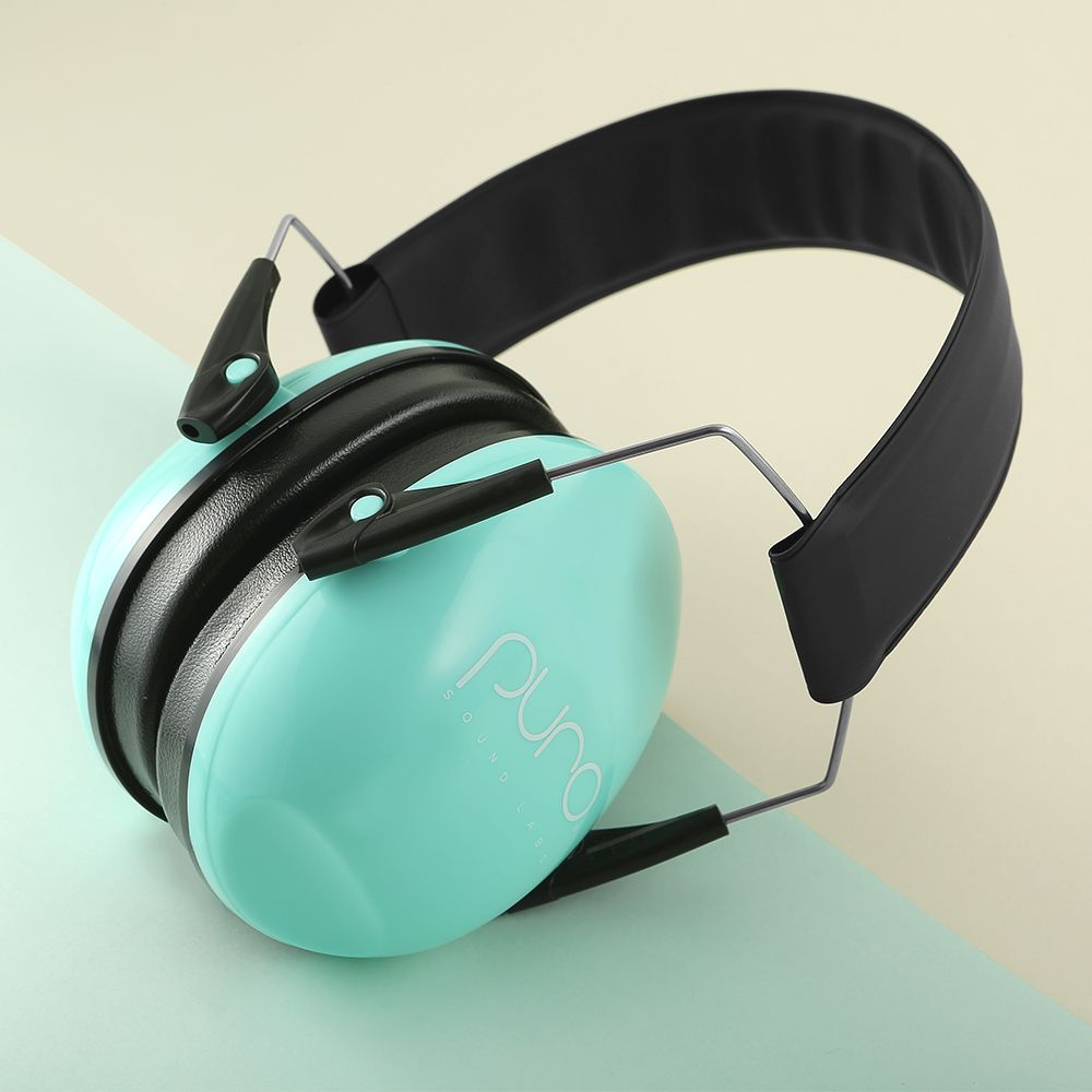 Loud Venues Can Create Challenges For Parents Who Are Conscience Of Their Child S Hearing Health Especially Those With Senso Earmuffs Black Friday Gift Noise