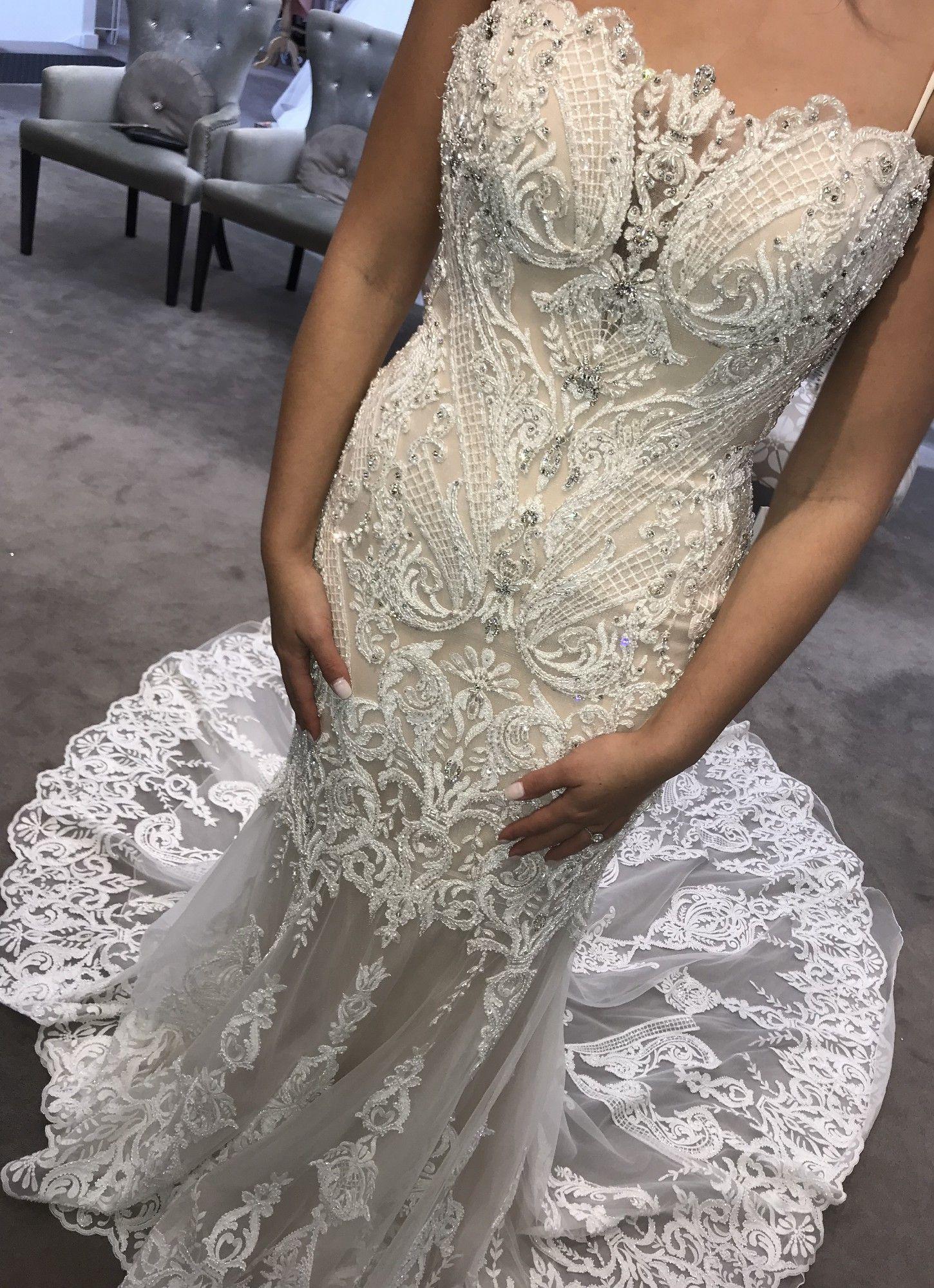 Badgley Mischka Wedding Dress Badgley Mischka Bridal Preloved Wedding Dresses Amazing Wedding Dress [ 1999 x 1450 Pixel ]