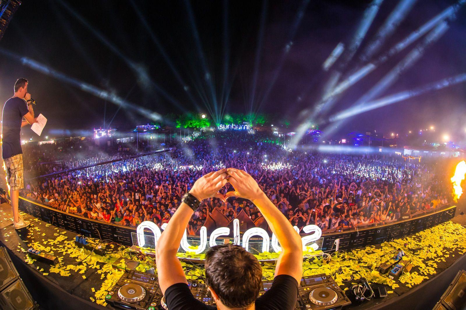 Top 10 Edm Festivals In The World Met Afbeeldingen