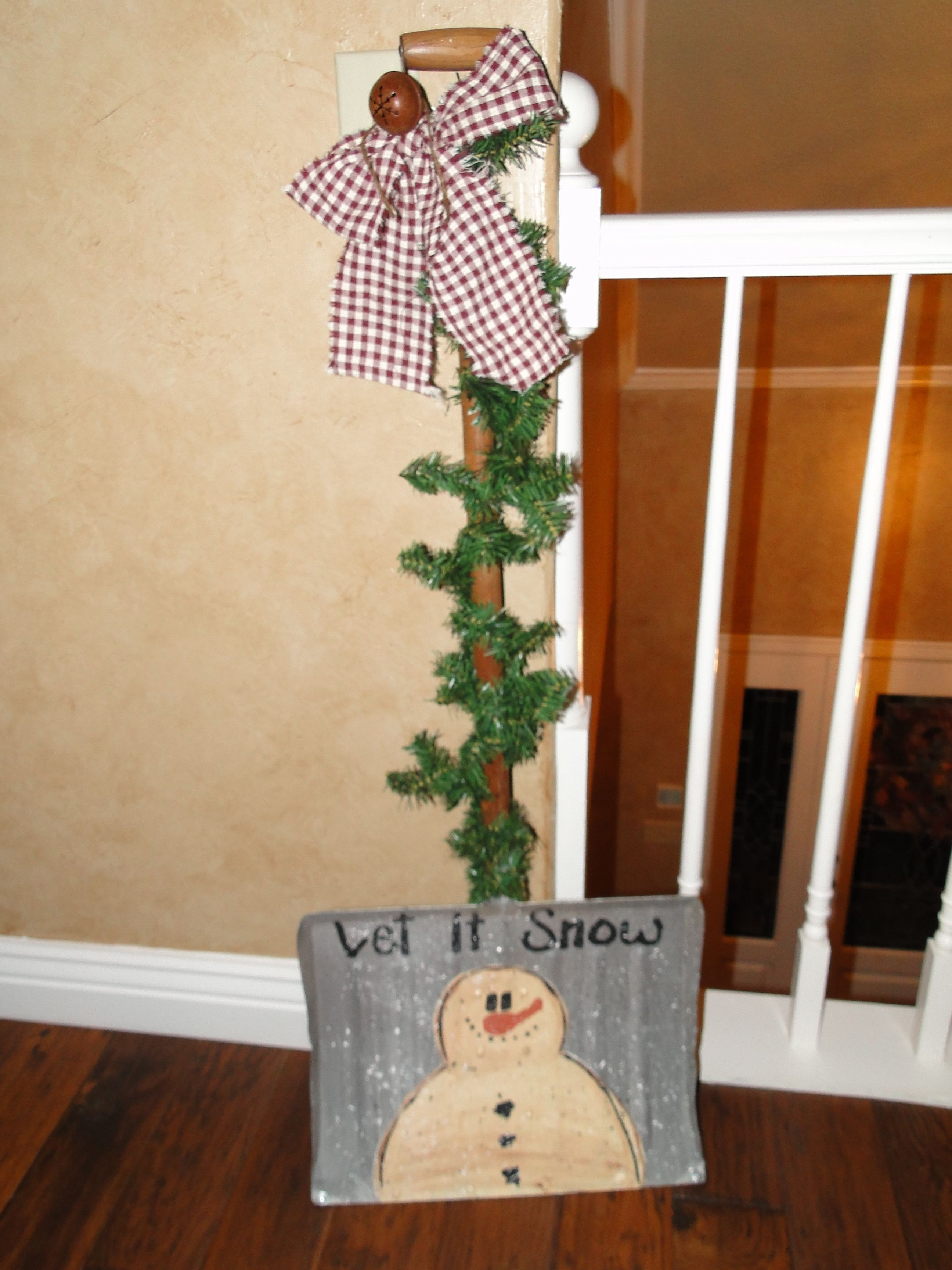 Frosty Shovel Add Some Lights To Twinkle Christmas Crafts Snowman Christmas Bazaar Crafts Wooden Christmas Crafts