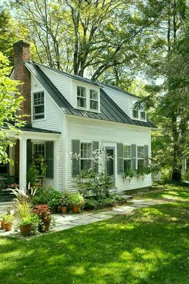 35 Awesome Traditional Cape Cod House Exterior Ideas Cape Cod House Cape Cod House Exterior House Exterior