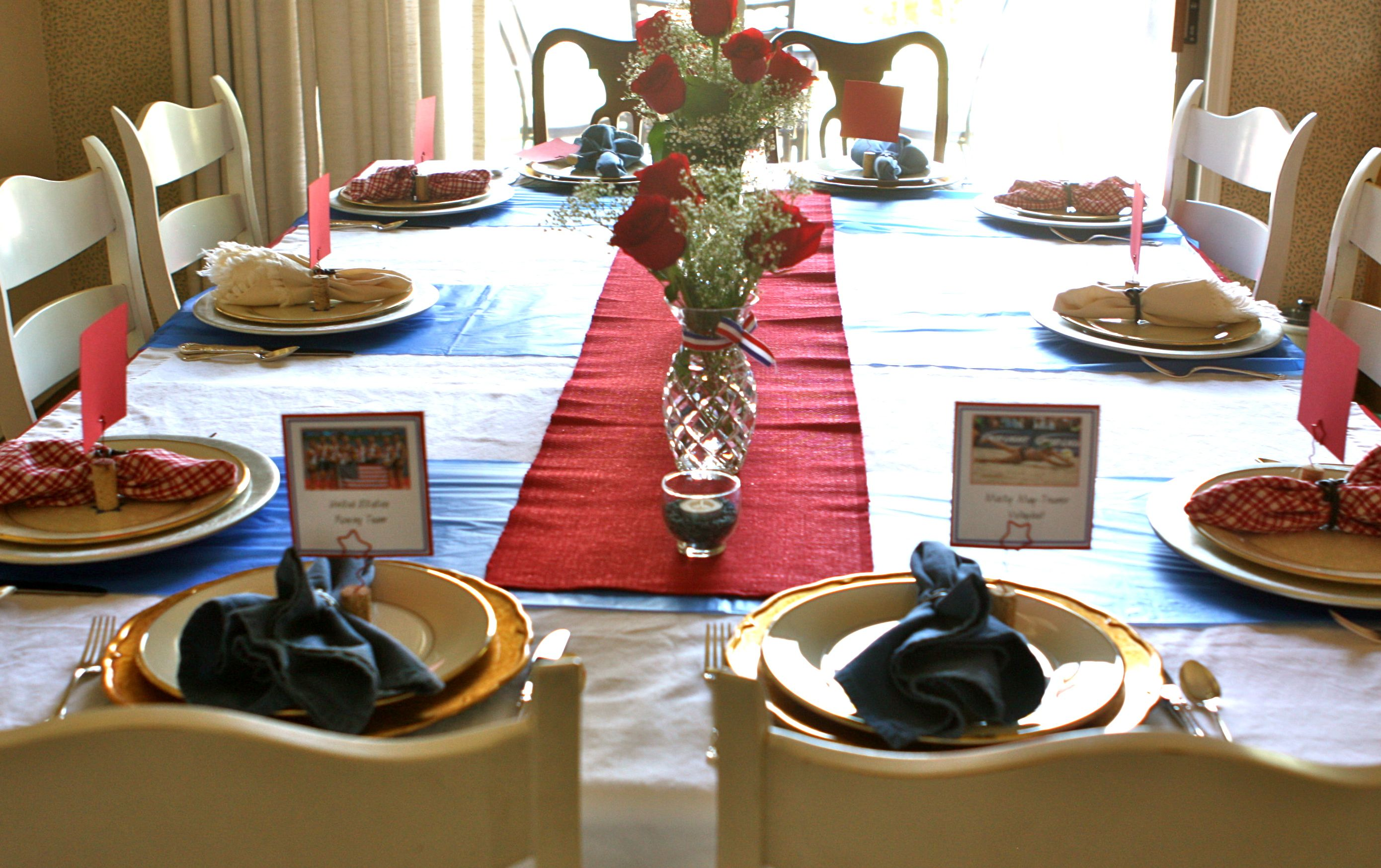 #Olympic #USA table setting. Table runner, napkins, chargers from #Goodwill.  #Tablescape #red, white & blue