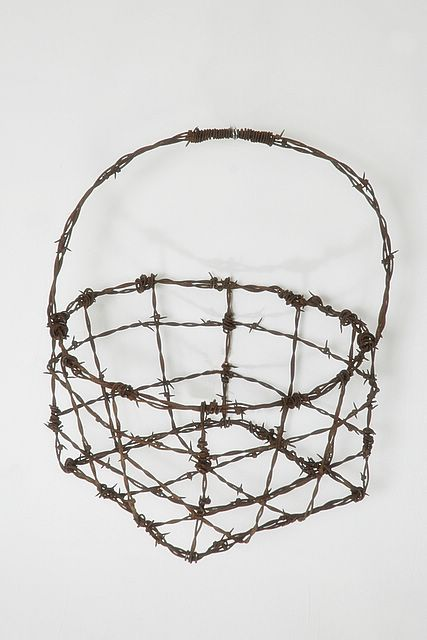 barbed wire art | barbed_wire_art___pro_006.jpg (large) | chicken ...