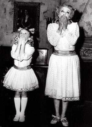 Bette Davis with child actor-Julia Allred, who played Baby Jane as a child in the movie - Whatever Happened to Baby Jane