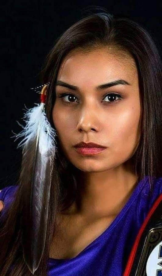 Native American Women With Beautiful Facial Features -2342