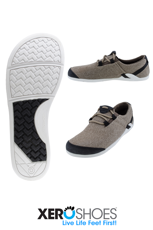 A women's casual minimalist canvas shoe