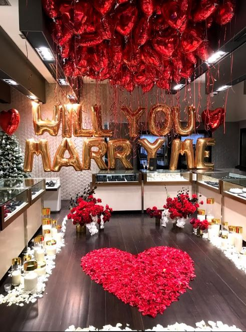 "Megaloons In Gold To Spell ""will You Marry Me"" With 200 X"