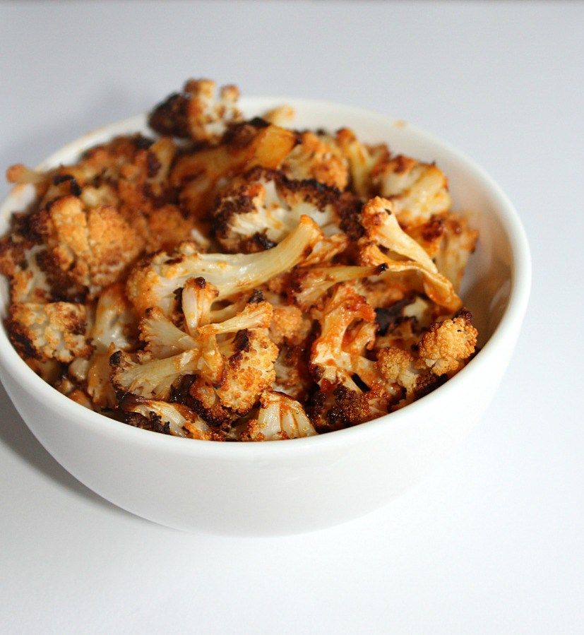 Buffalo Cauliflower Bites with three ingredients Simpleandsavory.com