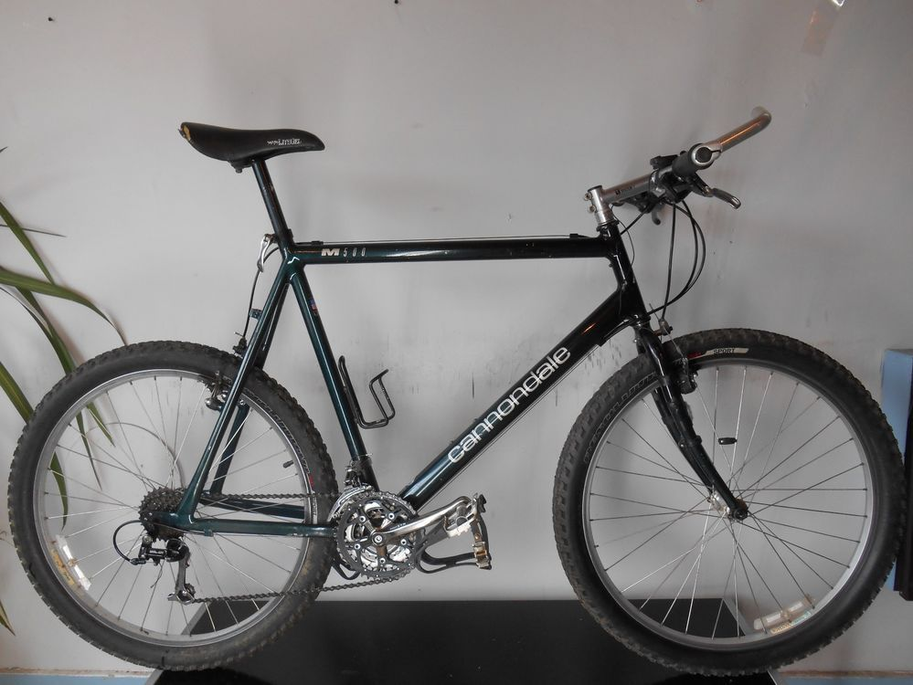 d26fe652409 Cannondale M500 Mountain bike ONE OWNER Deore LX Shimano STX 26