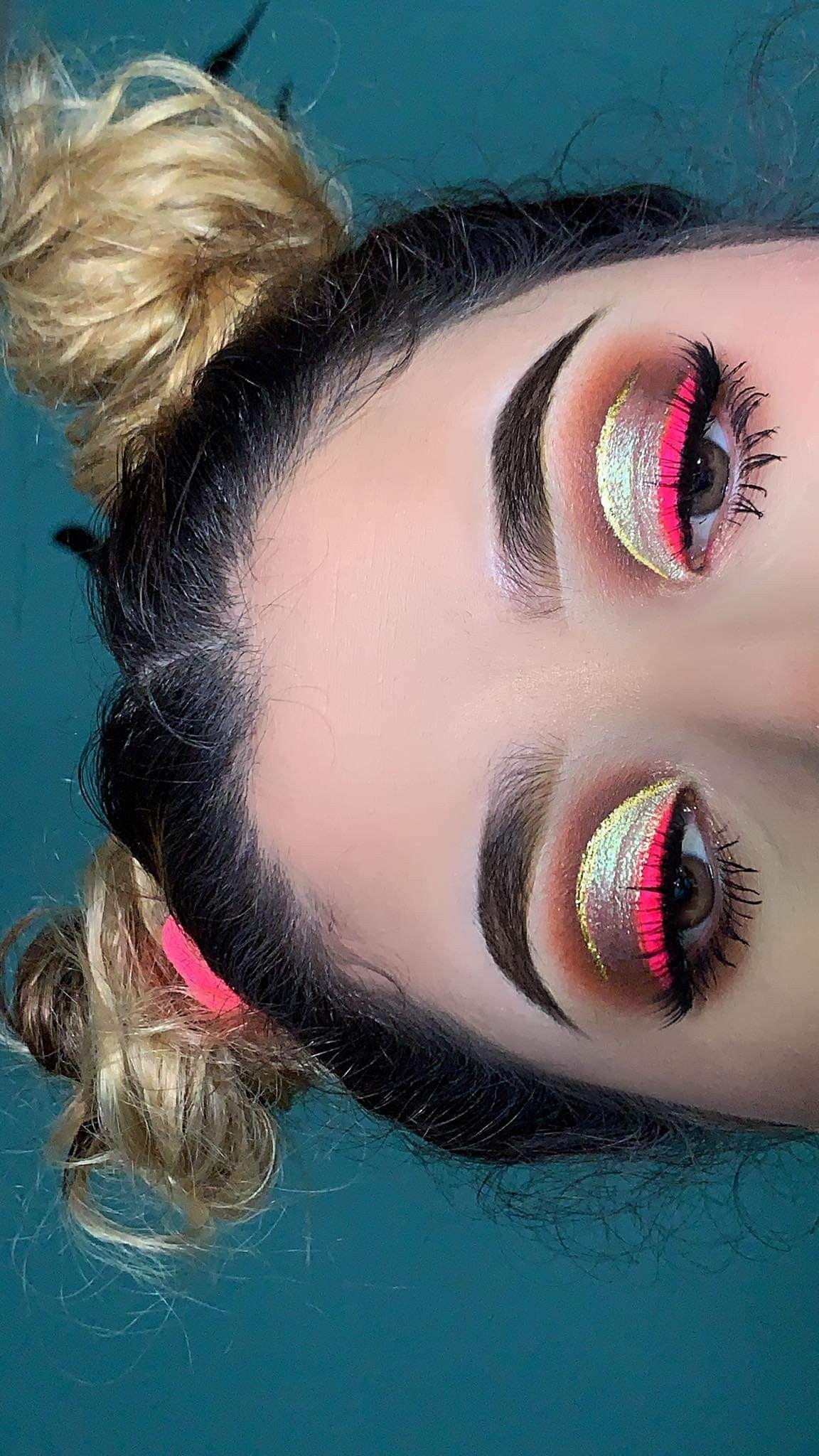 Neutral eyeshadows neon eyeliner Neon eyeshadow, Pink