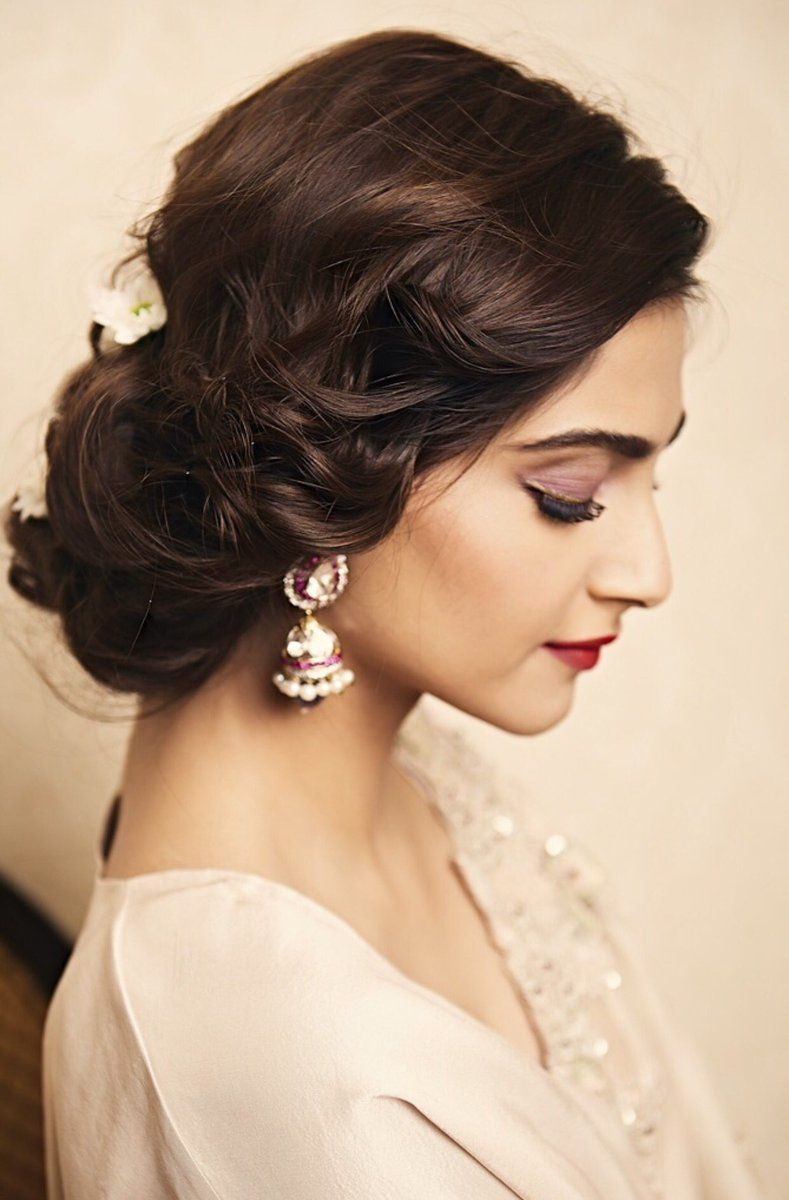 17 Showy Bridal Hairstyles Indian Sonam Kapoor Indian Bun Hairstyles Indian Hairstyles Sonam Kapoor Hairstyles