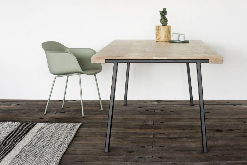 Stoel Voor Kind : Badkamer witte stoel met houten poten steigerhouten eettafel maat