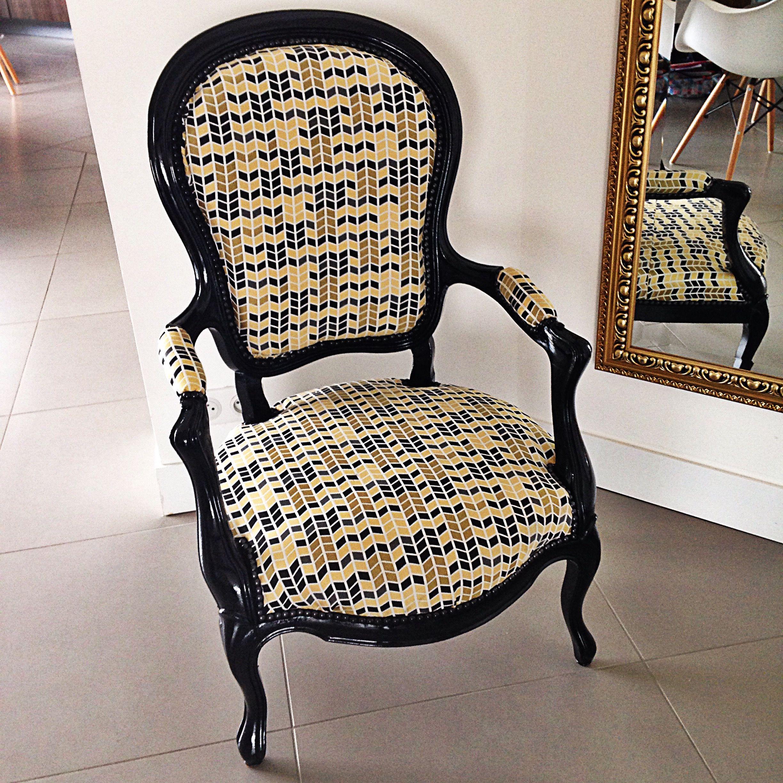 fauteuil voltaire noir laqu tissu g om trique by la f e marcelle home sweet home pinterest. Black Bedroom Furniture Sets. Home Design Ideas