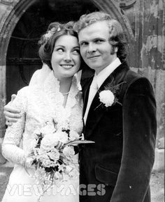 Actress Jane Seymour and Michael Attenborough, English theatre director (and son of actor Richard Attenborough) were married 1971-1973.
