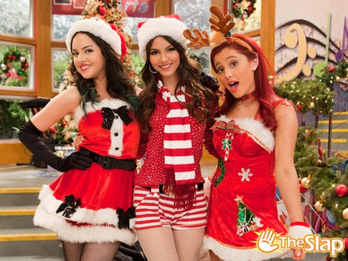 A Christmas Tori Theslap Hollywood Arts Victorious Victoria Justice Liz Gillies Ariana