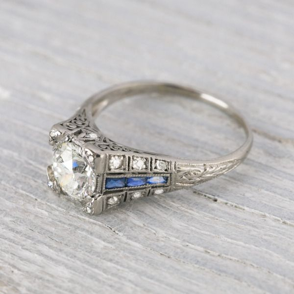 4 Places To Get The Unique And Vintage Engagement Ring You Re Looking For