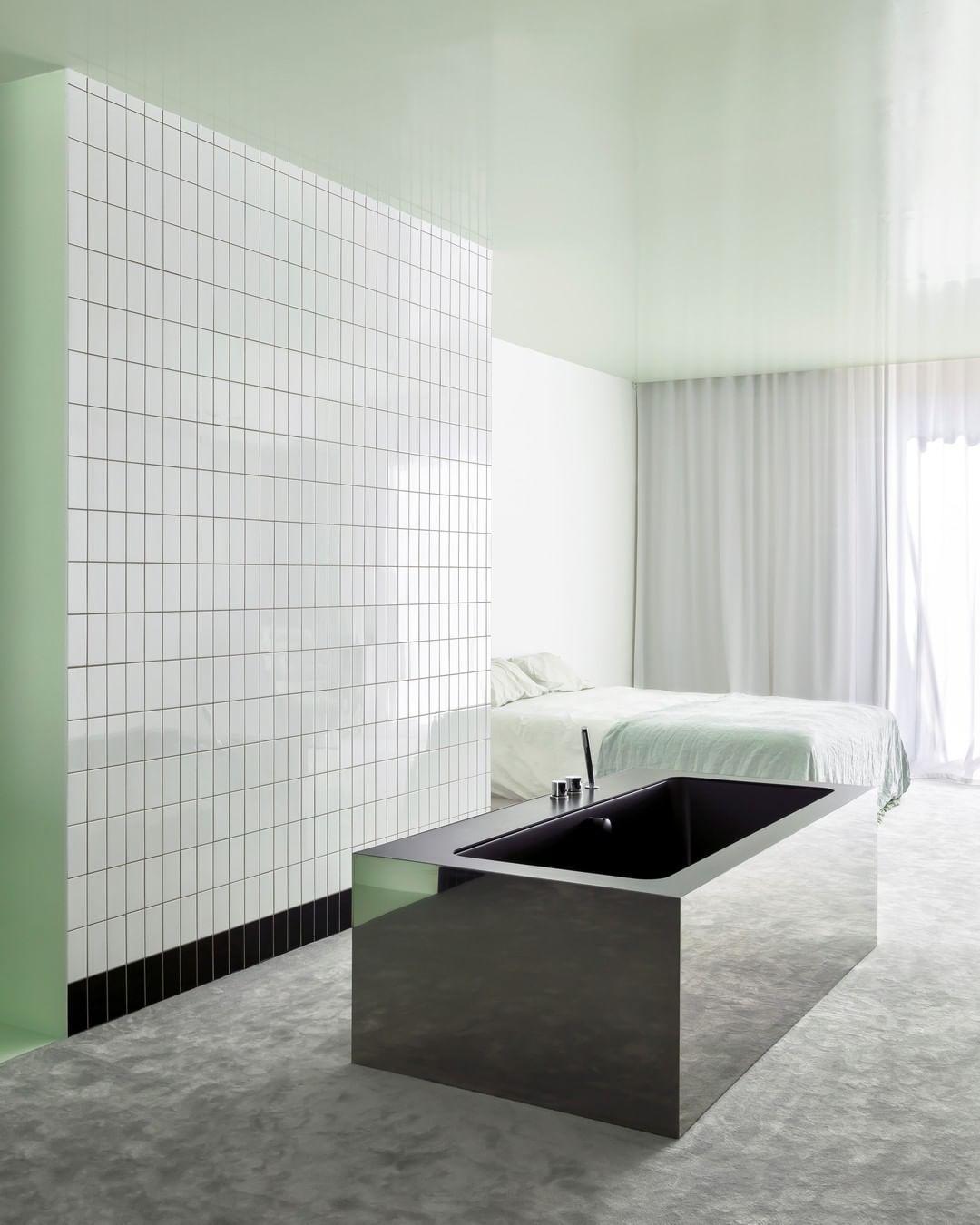 1,728 отметок «Нравится», 8 комментариев — Archilovers (@archilovers) в Instagram: «Apartment A 🧼🧼🧼 Architecture   @atelierdialect  Photography   📷 @piet.albert.goethals . . .…»