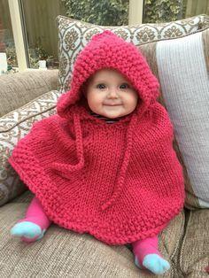 Un Poncho Trop Mignon Tricoté à La Main Pour Les Enfants Et Les