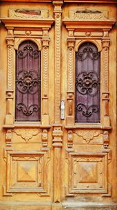 Katowice, Mariacka, wooden door # Silesia # real estate #t ….