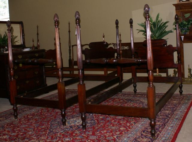 Exceptional Very Nice Matched Pair Of Pineapple Posts Solid Mahogany Twin Beds For Sale  | Antiques.