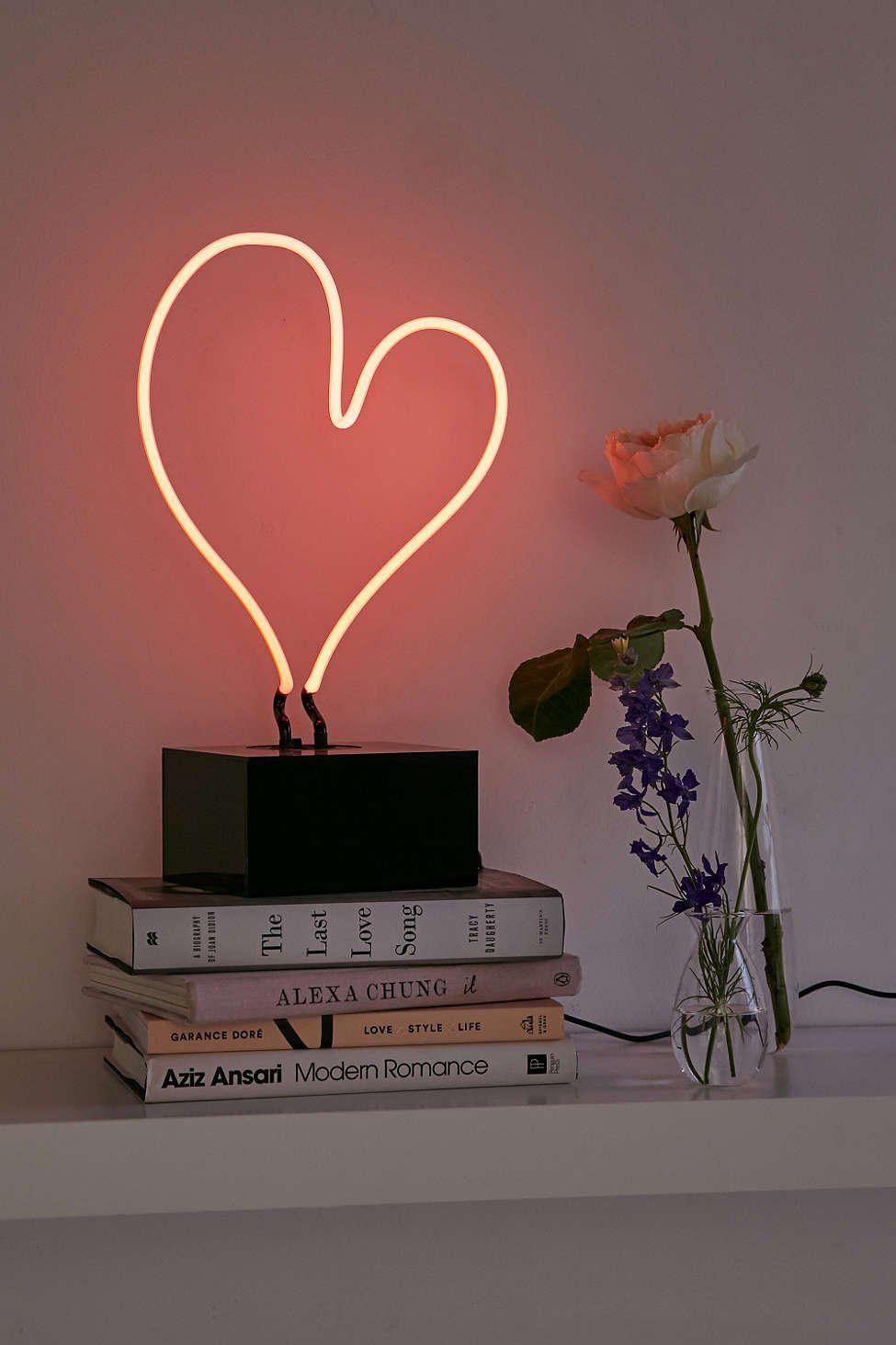 Neon Table Light: Neon Heart Table Lamp