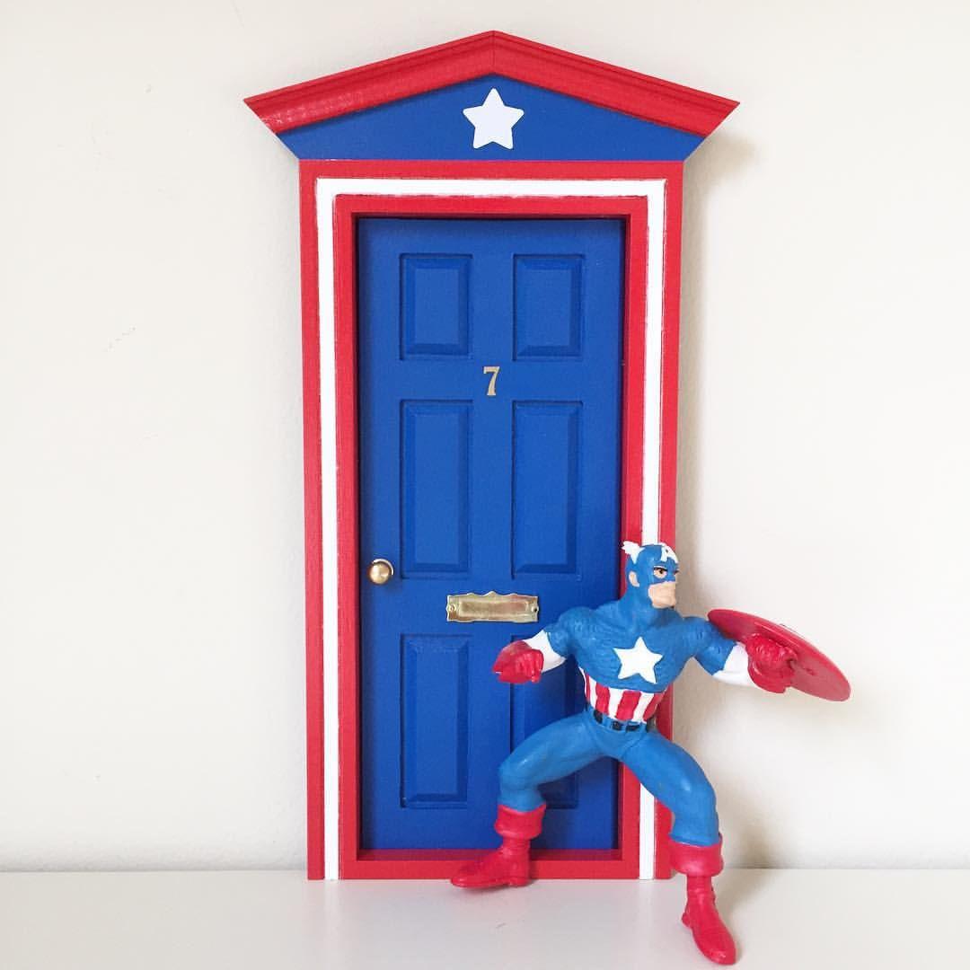 Mañana alguien tendrá una puerta muy especial  ..... #lasauténticaspuertasdelratoncitopérez #puertasratoncitopérezouioui #capitánAmérica #americancaptain #handmadetoy #ouiouiniños
