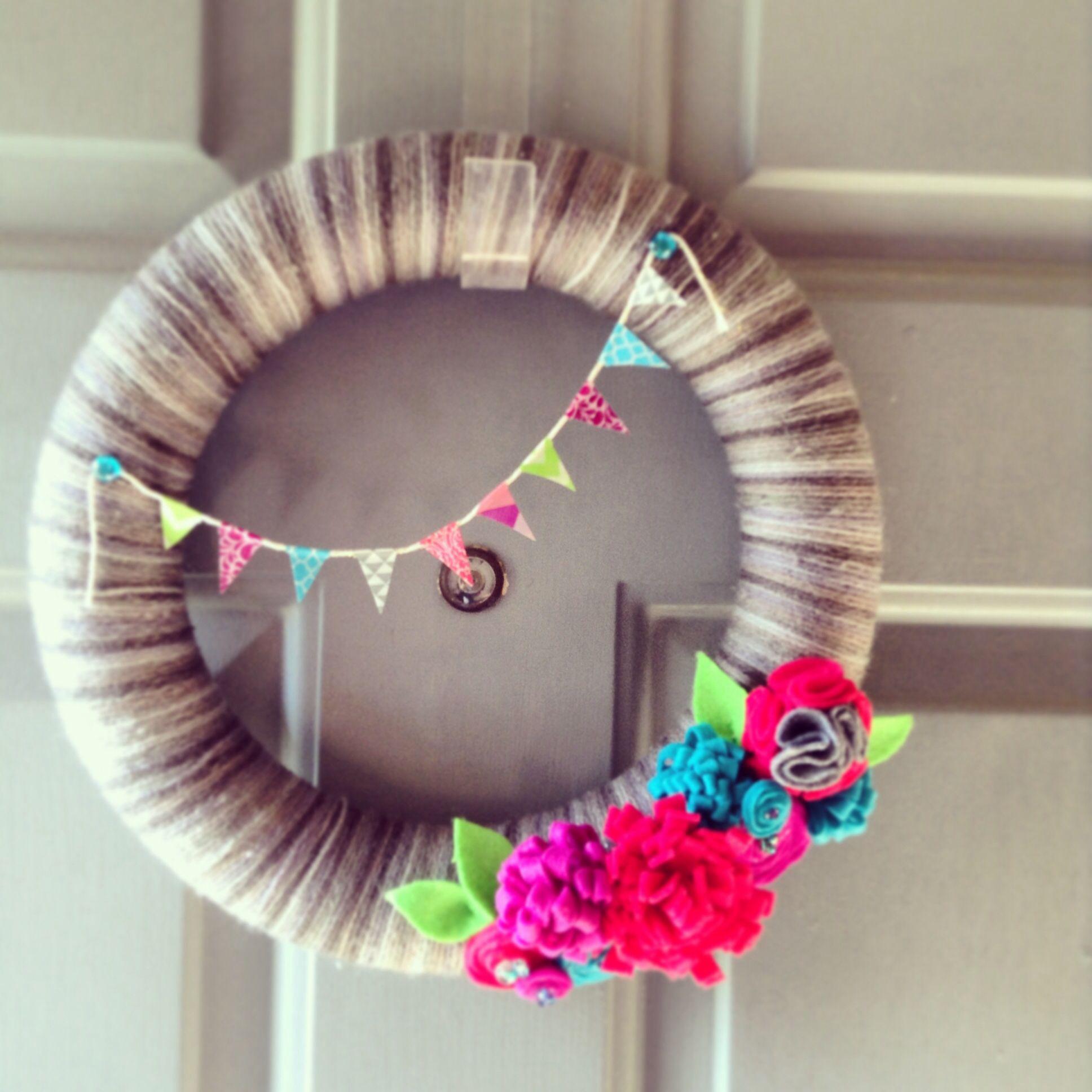 My spring wreath! Yarn, felt, washi tape!!