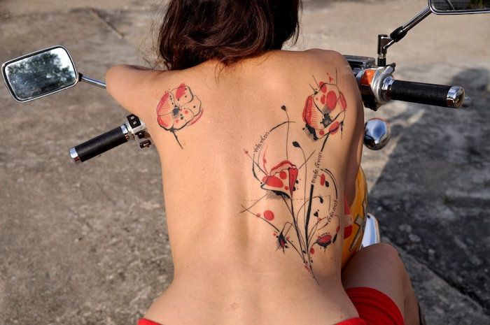 tatouage coquelicot un champ de 52 mod les en photos tatoo pinterest tatoo tattoo and. Black Bedroom Furniture Sets. Home Design Ideas