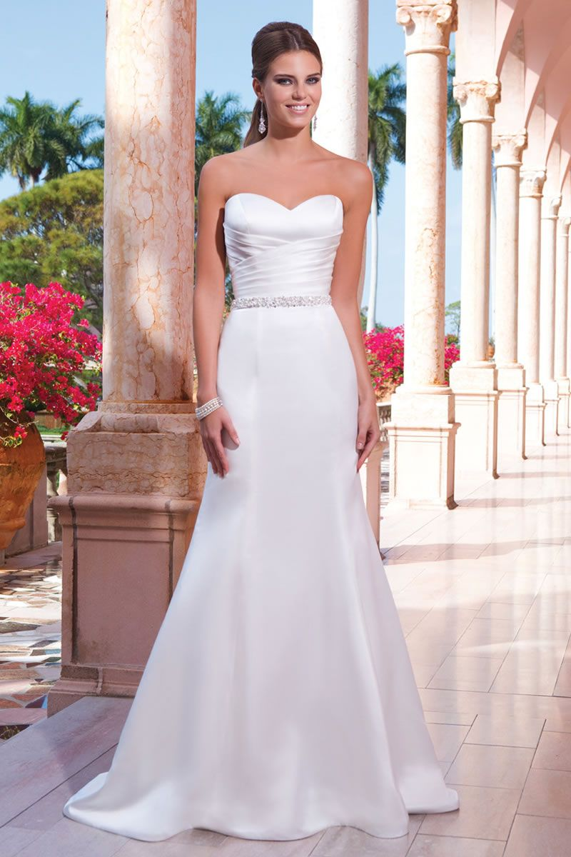 6 of the best dresses for a wedding abroad weddings wedding 6 of the best dresses for a wedding abroad ombrellifo Image collections